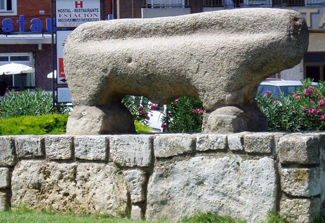 Toro de piedra de origen vacceo.